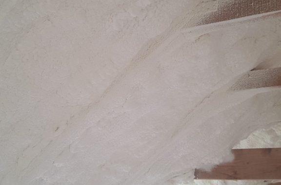 Palėpės šiltinimas putų poliuretanu