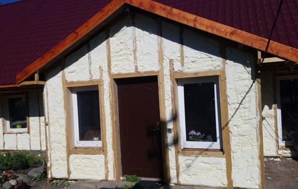 Karkasinių namų šiltinimas poliuretano putomis
