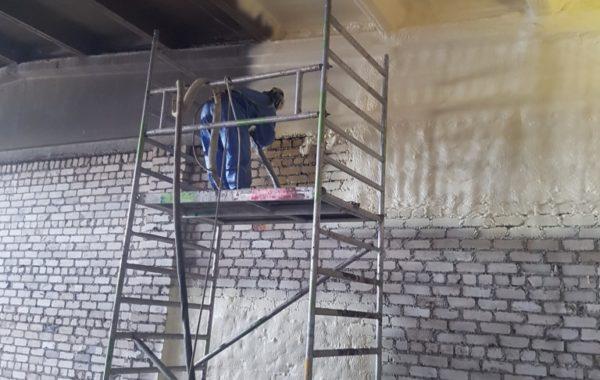 Ventiliuojamų fasadų šiltinimas poliuretano putomis